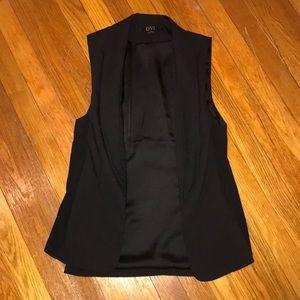 Ovi black Sleeveless blazer size small